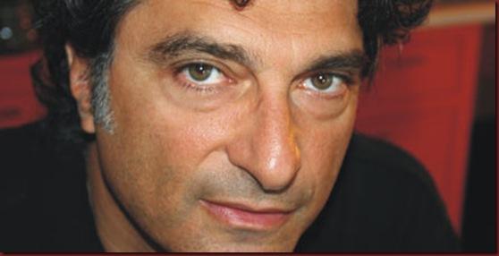 giorgos koumentakis en lefko sto megaro 10 2 2011