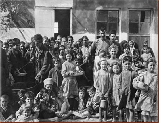 Diogmos_kai_antallagi_plithusmon_Tourkia-Ellada_1922-1924_Ntokimanter_kai_ekthesi_fotografias_sto_Mouseio_Mpenaki_1