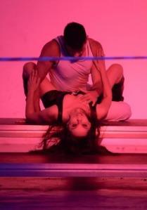 «ΕΝΑΣ ΚΑΠΟΙΟΣ ΠΑΡΑΔΕΙΣΟΣ 2» σε κείμενο και σκηνοθεσία Βάνας Πεφάνη | Πρεμιέρα: 21.2.2013 | Ίδρυμα Μιχάλης Κακογιάννης
