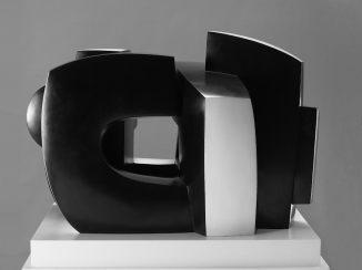 Black Space, 2000 Πολύχρωμος μπρούτζος 92 x 59 x 61 εκ.