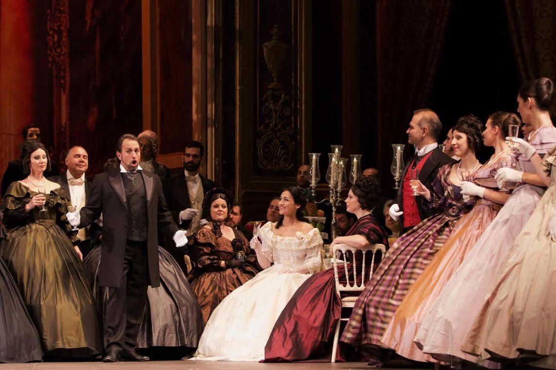 premiera traviatas koronaios papathanasiou xorodia els