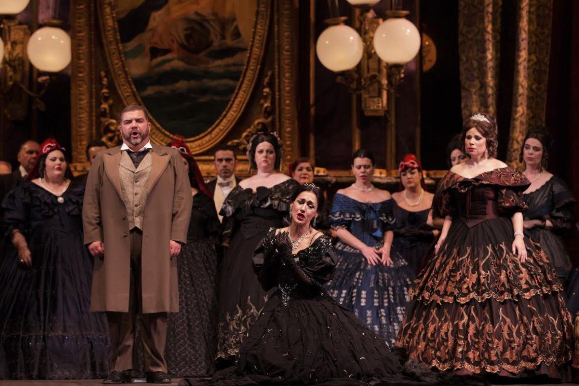 premiera traviatas platanias papathanasiou