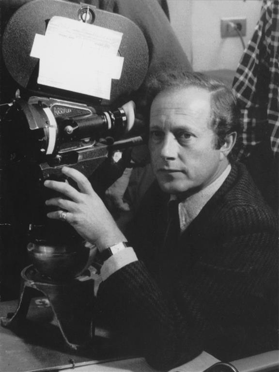 Nicolas_Roeg 00 (Medium)
