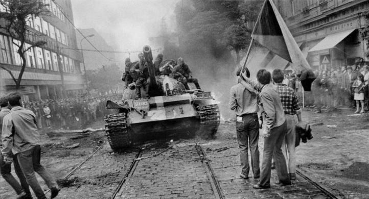 sovietiki-epemvasi-stin-praga-1968